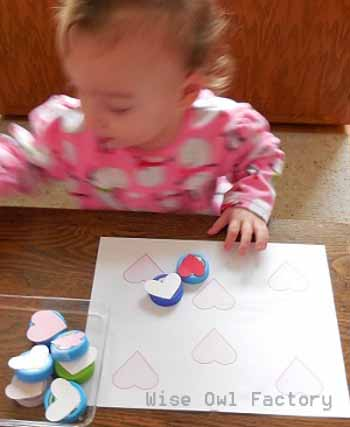 Valentine activities, hearts matching activity with free printable