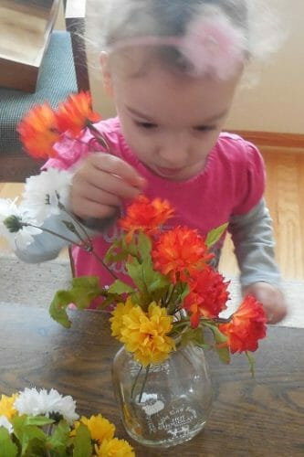 arranging-flowers-for-the-dinner-table-activity
