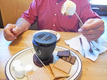 indoor-smores-at-the-Blue-Water-in-Grand-Marais-MN