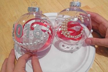 options-for-decorating-plastic-globe-ornaments