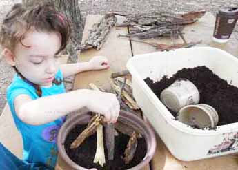 fairy-house-building-class-at-Eastman-Nature-Center-2017 (12)