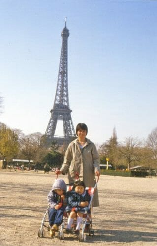 Carolyn-with children-in-Paris-in-the-1980s
