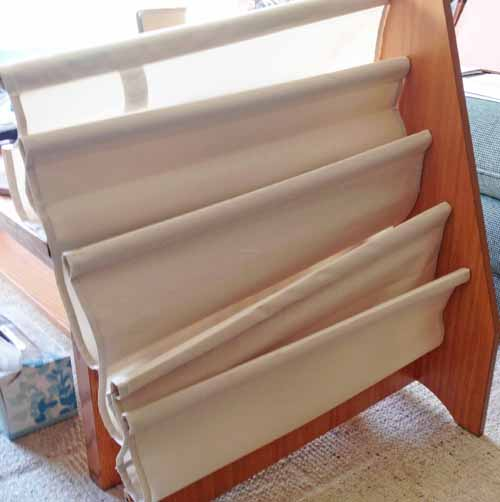 assemble-a-sling-bookshelf-for-childrens-books (7)