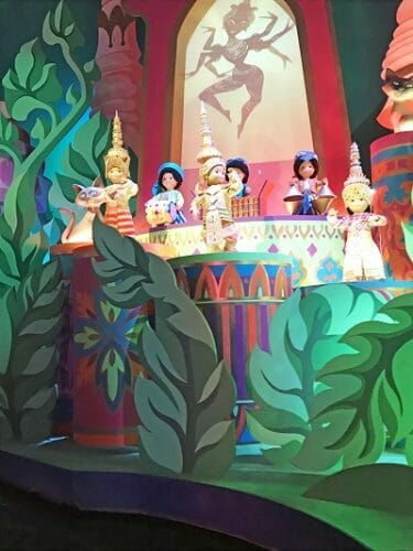 attraction-at-Disneyland-Paris