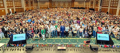 huge-minneapolis-st-paul-group-photo