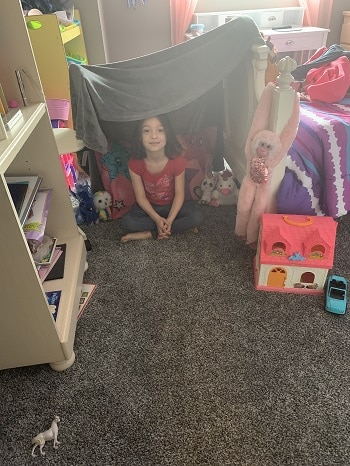 Miss-Owl-Makes-a-Fort-at-home